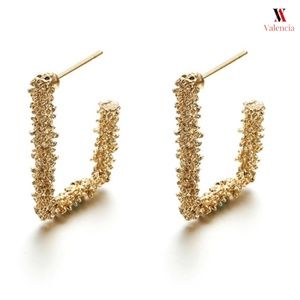 Jewelry - Gold Drop Geometrical Hoops